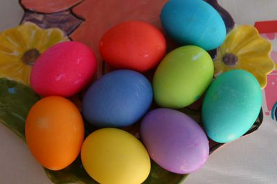 How do you get a 2-year-old to rank nine different Easter egg colors? (Photos by Caroll Co)